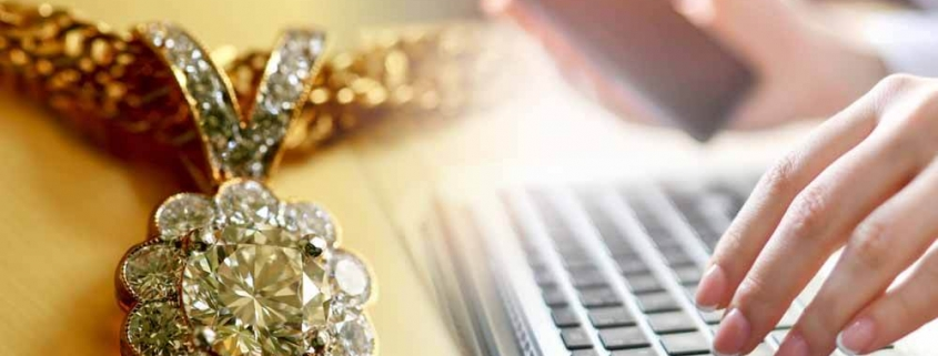 Selling Online Artificial Jewelry